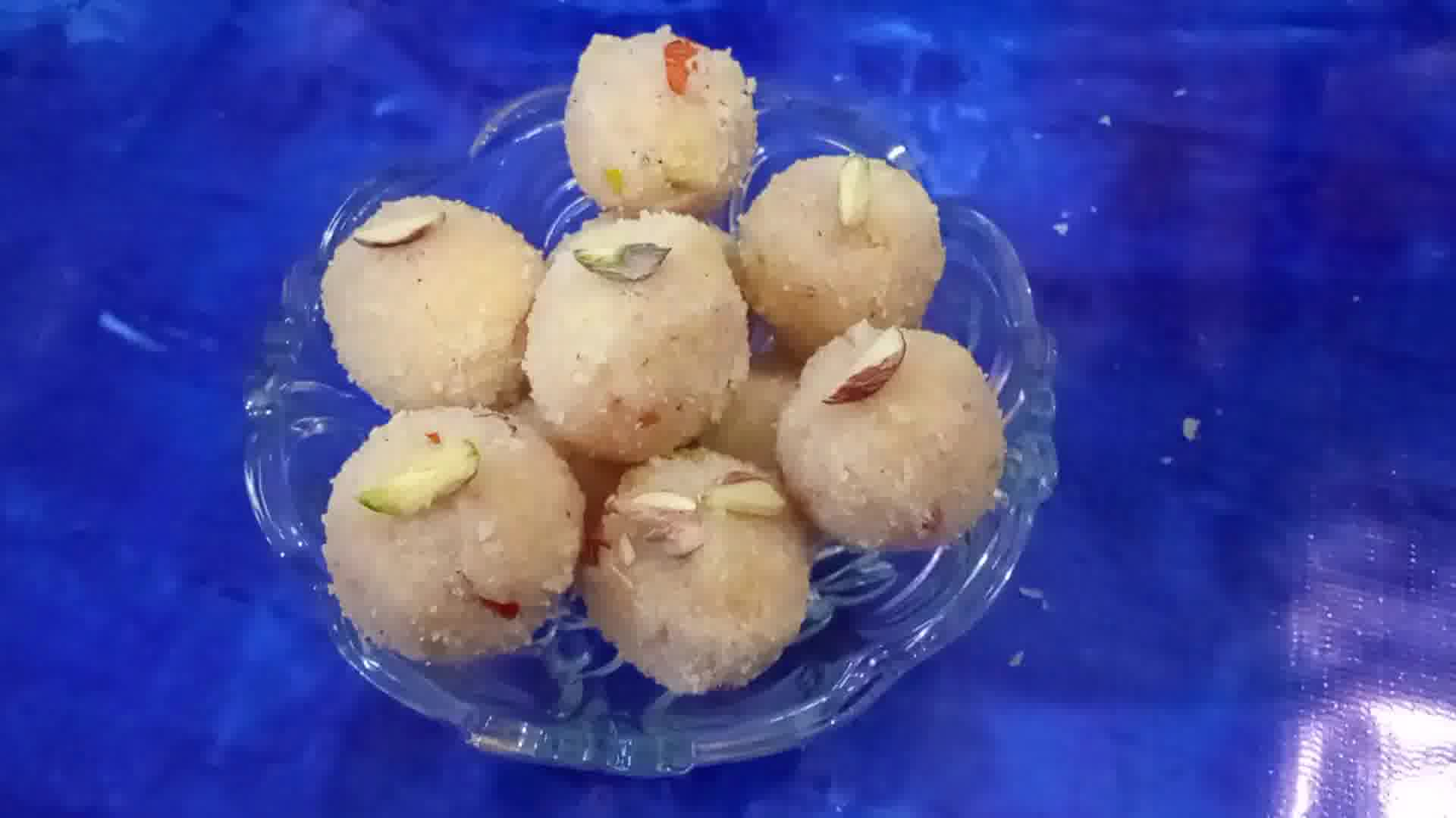 Image of Semolina Milk Cream Laddu