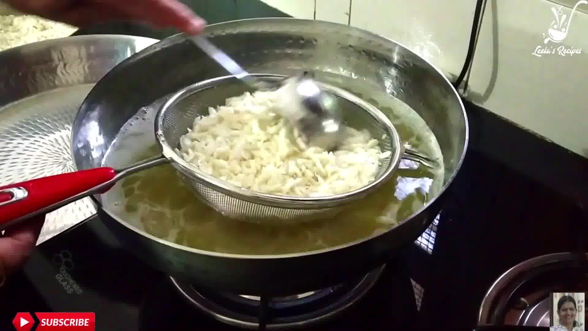 Image of the cooking step-1-1 for Poha Chivda